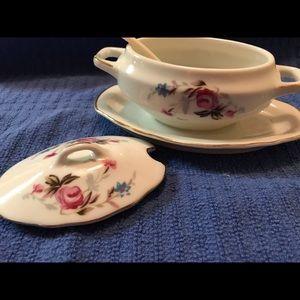 Vintage Chantilly Rose sugar bowl by Royal Crown